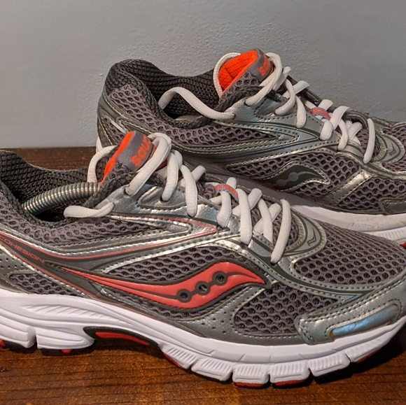 Saucony Shoes   Grid Cohesion 8 Womens